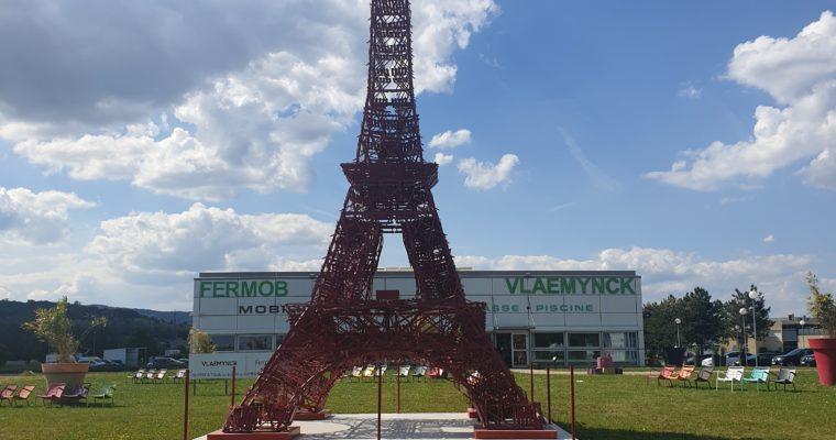 La Tour Eiffel Fermob Au Magasin De Charnay Les Mâcon